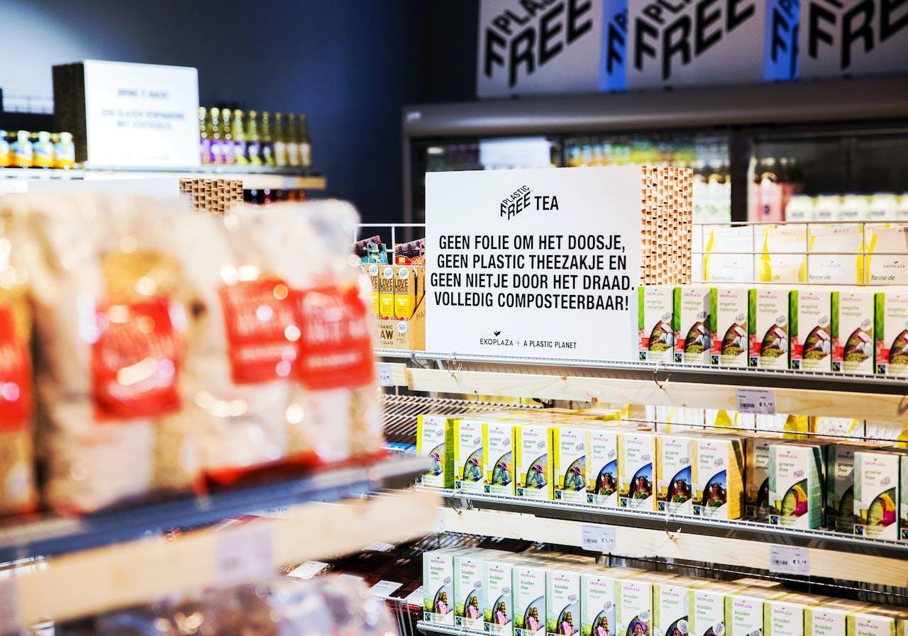AMSTERDAM- Producten in een plasticvrije winkel van Ekoplaza. ANP REMKO DE WAAL