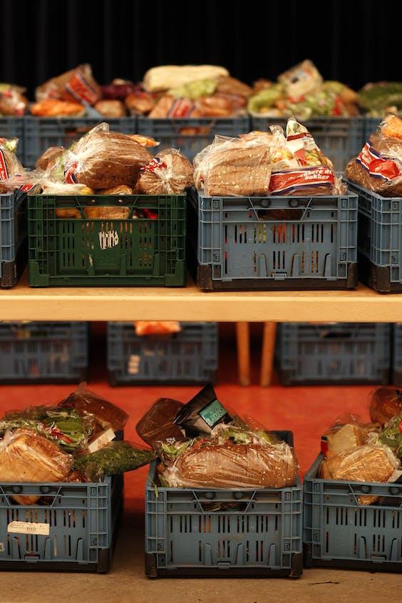 Voedselpakketten in voedselbank De Baarsjes.