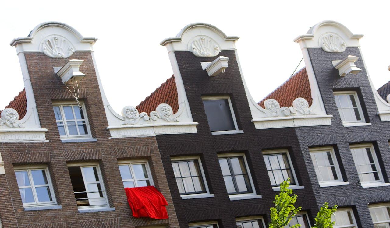 Grachtenpanden aan de Prinsengracht in Amsterdam.