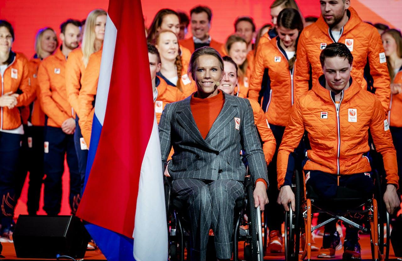 Chef de mission Esther Vergeer tijdens de teamoverdracht van Olympic en Paralympic TeamNL voor de Olympische Spelen van Pyeongchang.