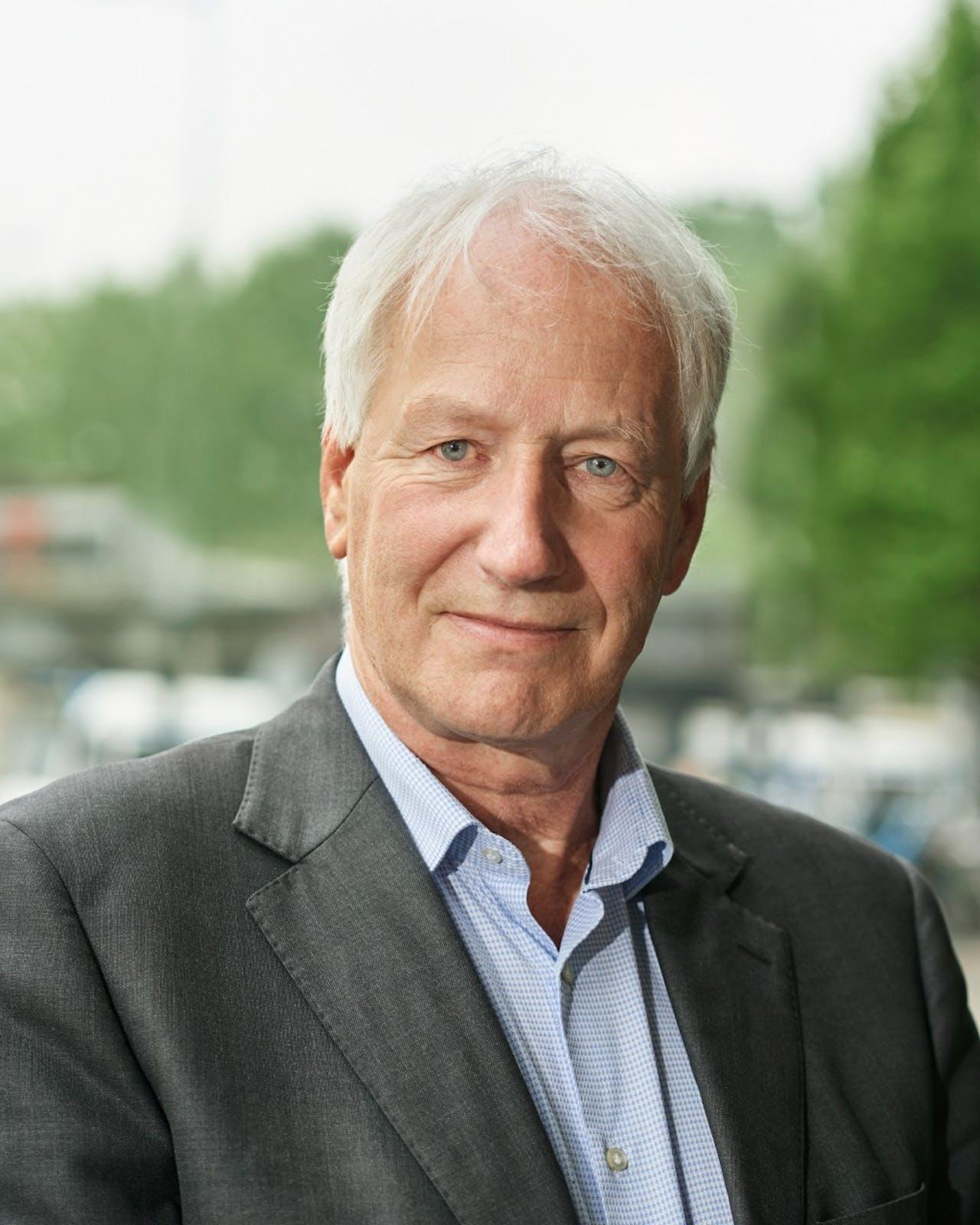 Han Dieperink van het Instituut Midden- en Kleinbedrijfén oprichter van 155-Help-een-bedrijf