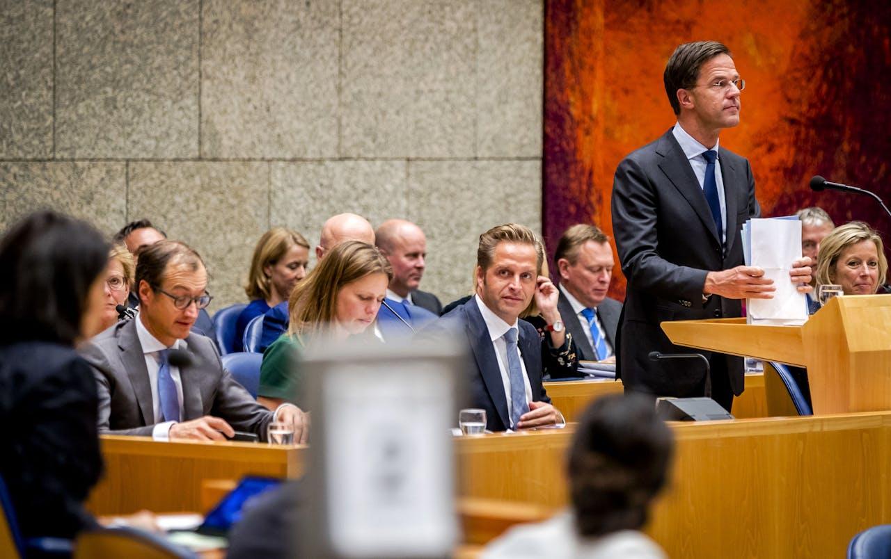 2017-11-02 22:14:37 DEN HAAG - Premier Mark Rutte houdt een slotwoord tijdens een plenair debat in de Tweede Kamer over de regeringsverklaring. ANP REMKO DE WAAL