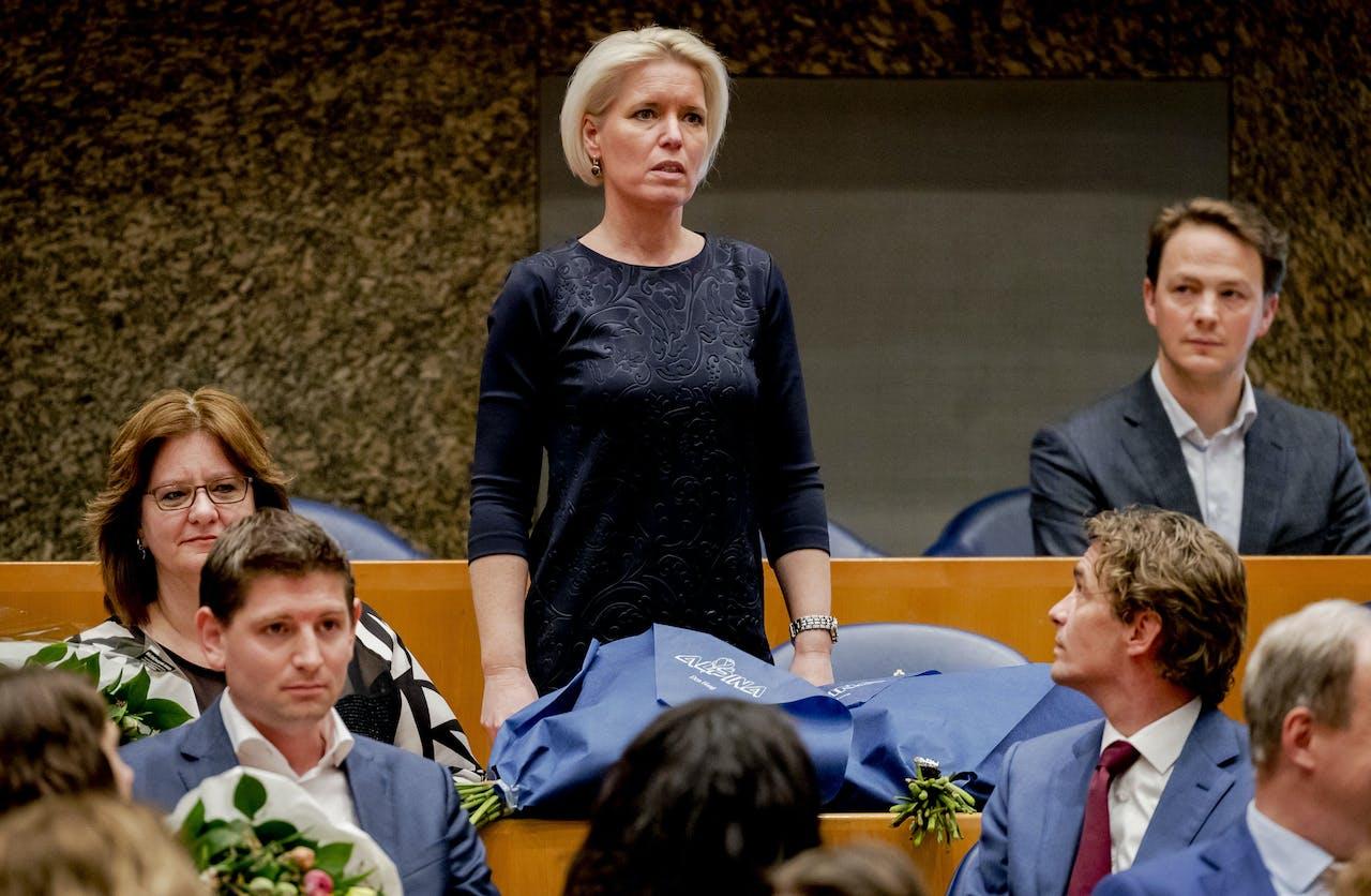 Chantal Nijkerken-de Haan (VVD) legt de eed af tijdens de installatie van de nieuwe Kamerleden na de Tweede Kamerverkiezingen.