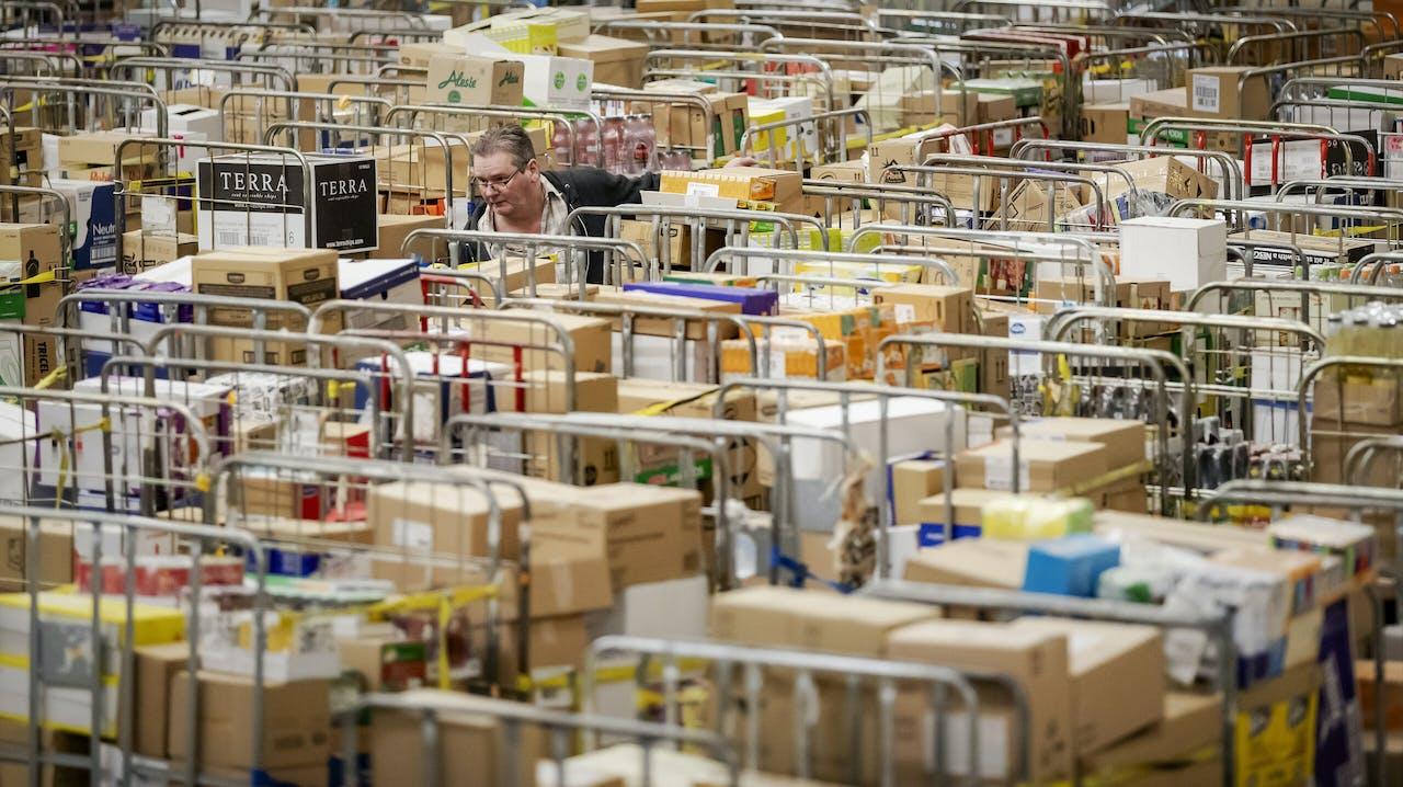 Drukte bij het distributiecentrum