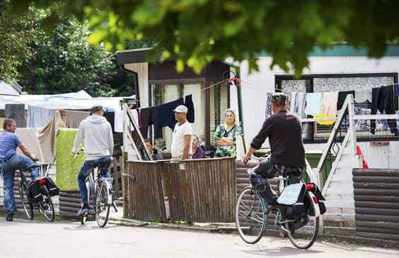 Huisvesting van Poolse arbeidsmigranten op een recreatiepark in Rijsbergen