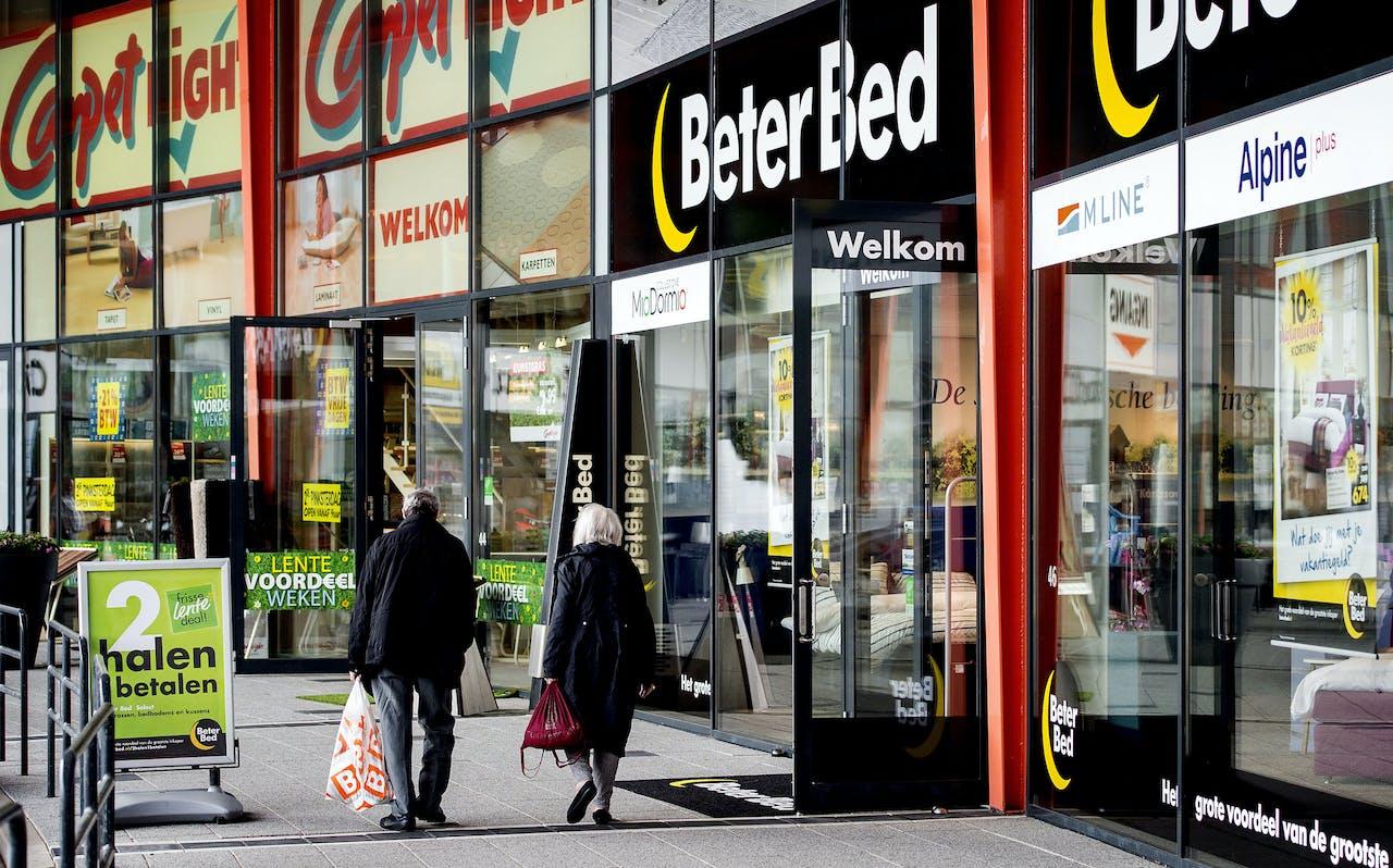 Retailpark Cruquius dat in bezit is van het Belgische Retail Estates