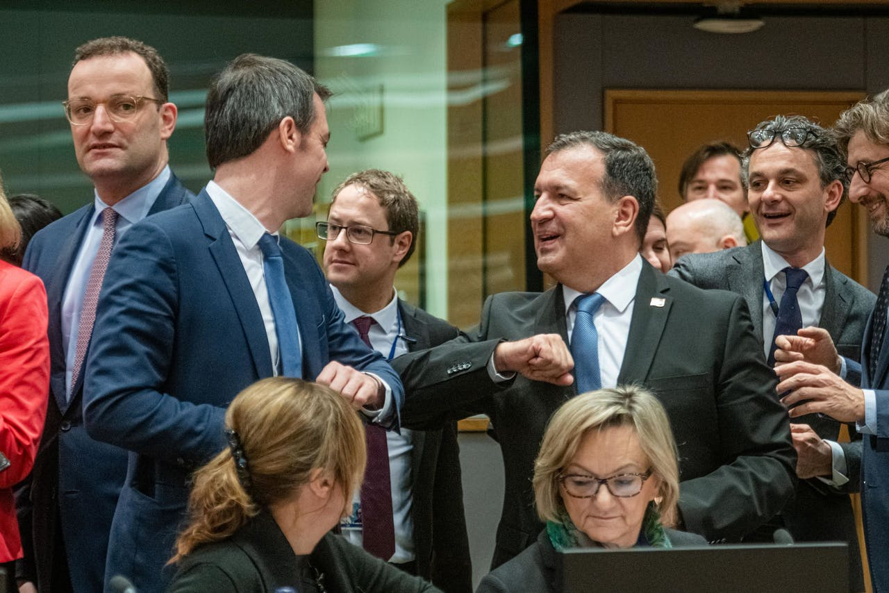 Ministers van volksgezondheid van Frankrijk Olivier Veran en Kroatië