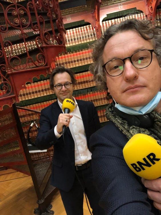 Ronald van Raak en Laurens Boven in de Handelingenkamer van de Tweede Kamer