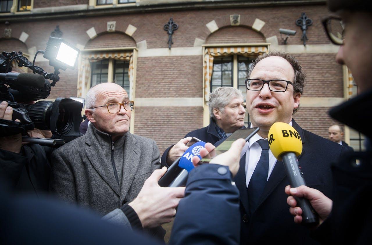 Minister Wouter Koolmees van Sociale Zaken en Werkgelegenheid (D66) bij aankomst op het Binnenhof voor de wekelijkse ministerraad.