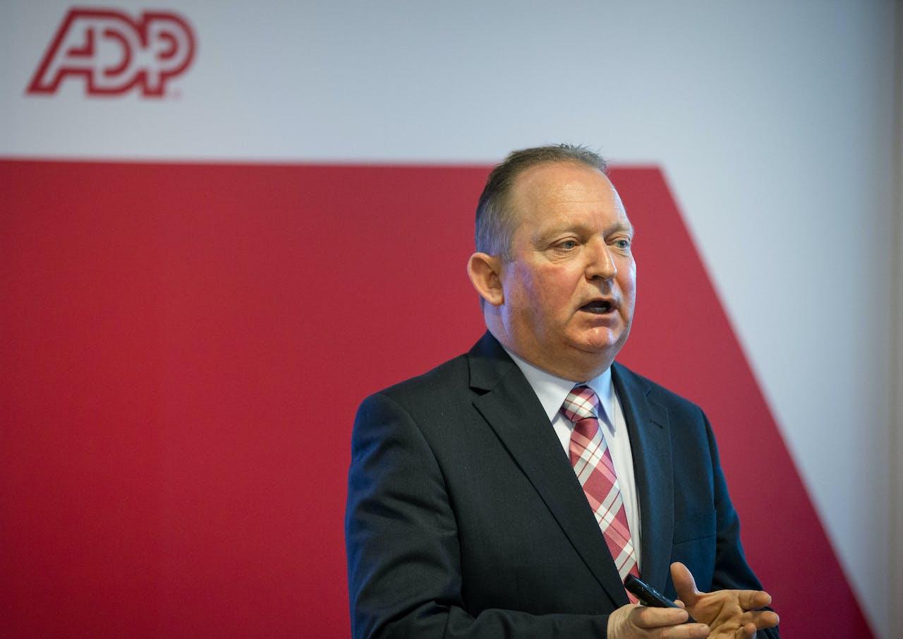 Dik van Leeuwerden, manager van het Kenniscentrum Wet- en Regelgeving bij salarisverwerker ADP.