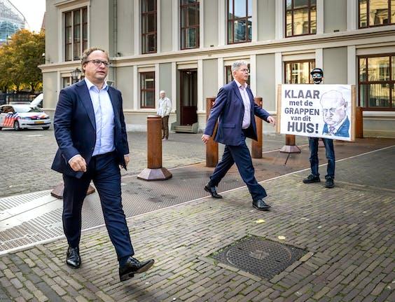 Wouter Koolmees, minister van Sociale Zaken en Werkgelegenheid, komt aan op het Binnenhof voor de wekelijkse ministerraad.