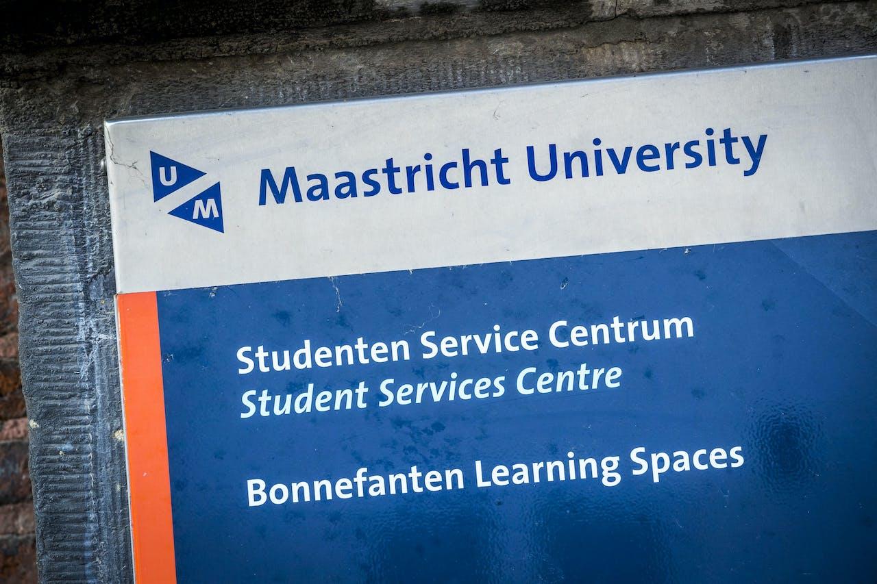 Logo van Maastricht University