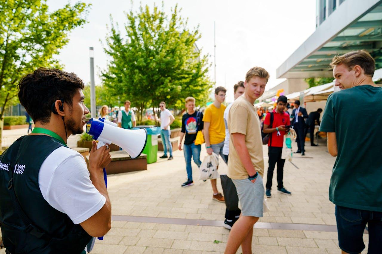 Studenten op de Eurekaweek, de introductieweek van de Erasmus Universiteit Rotterdam.