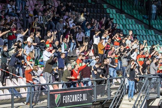 Supporters bij wedstrijd tussen NEC en De Graafschap.