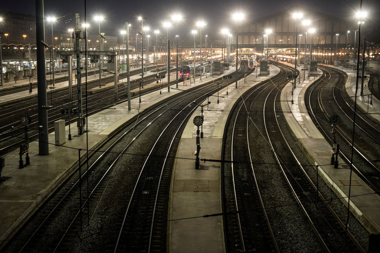 Een leeg Gare du Nord in Parijs