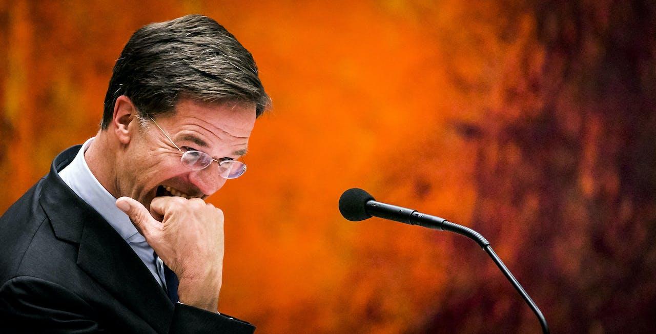 2018-10-16 22:02:01 DEN HAAG - Premier Mark Rutte tijdens het debat over het kabinetsbesluit om de dividendbelasting te behouden. ANP REMKO DE WAAL