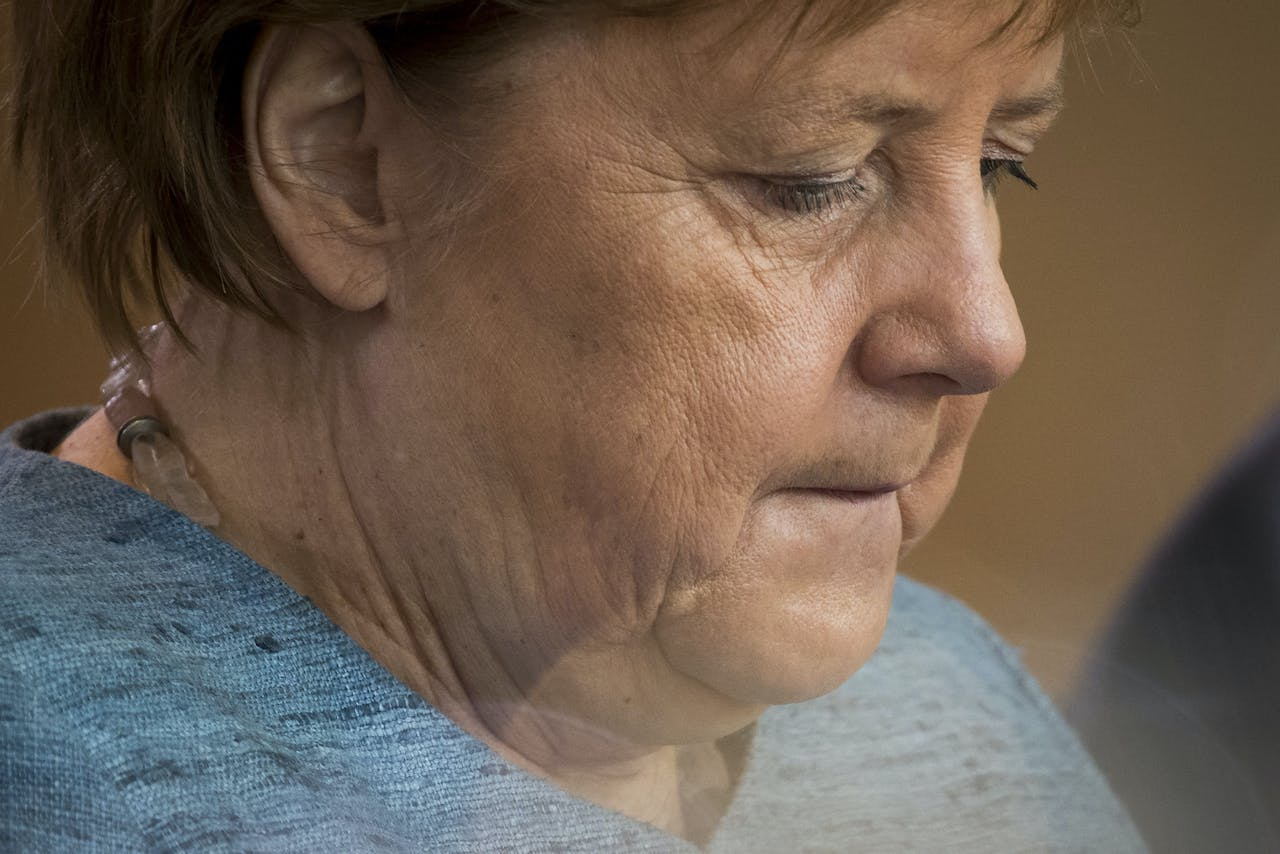 2018-10-10 09:39:51 German Chancellor Angela Merkel attends the weekly cabinet meeting at the Chancellery in Berlin on October 10, 2018. Odd ANDERSEN / AFP
