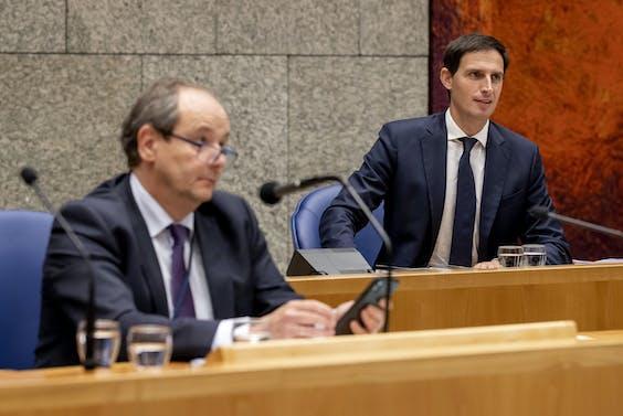 Minister Wopke Hoekstra van Financiën en staatssecretaris Hans Vijlbrief bij de Algemene Financiele beschouwingen