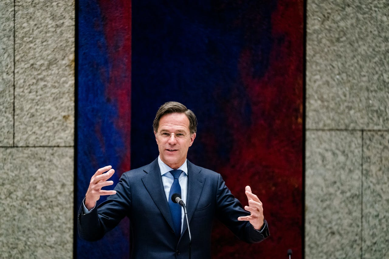 Demissionair premier Mark Rutte tijdens een nieuw debat over de toeslagenaffaire.