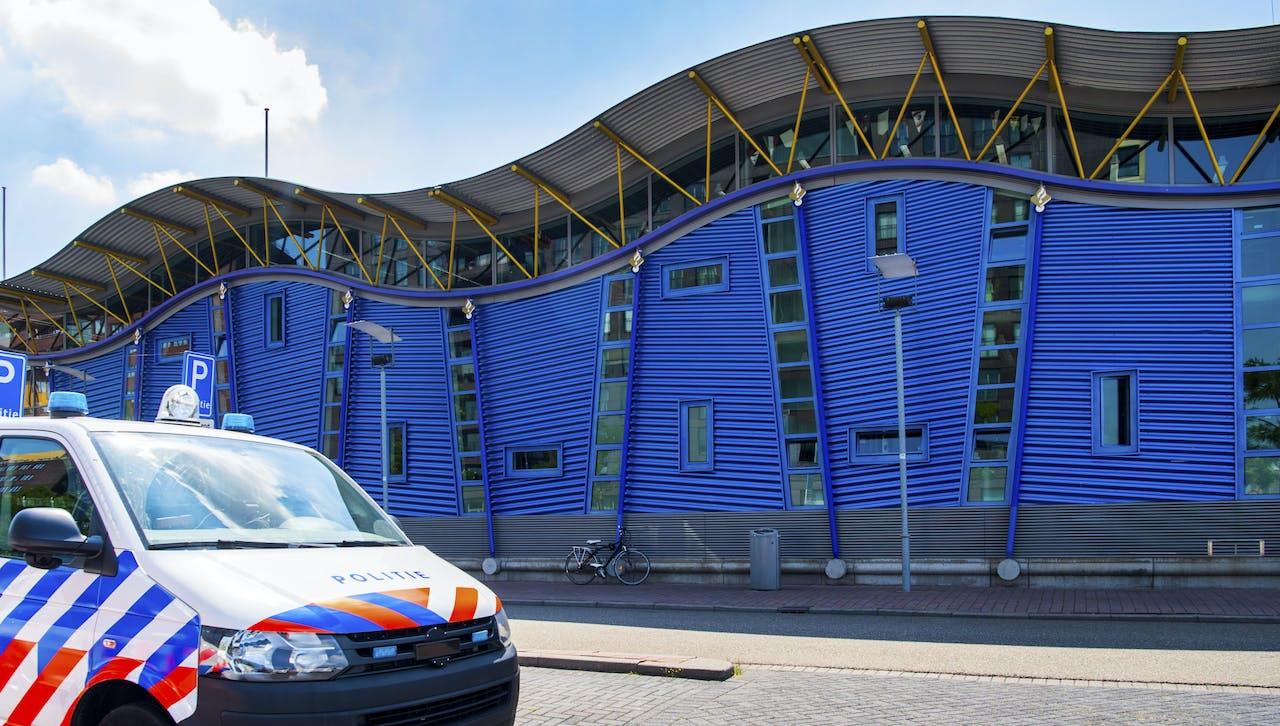 Politiebureau De Veranda in Rotterdam zou het doelwit van de aanslag zijn geweest.
