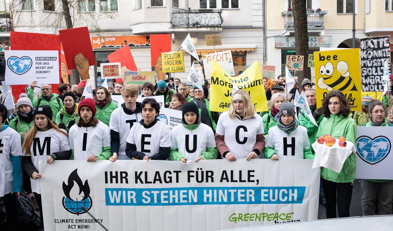 Klimaatactivisten voor de rechtbank.