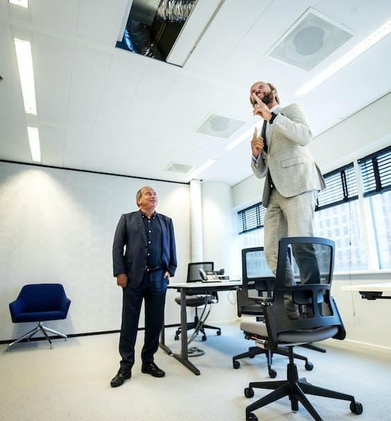 Een nieuw ventilatiesysteem in een kantoorruimte