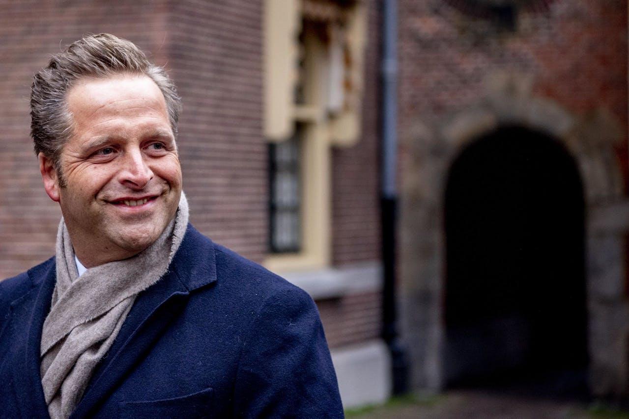 DEN HAAG - Hugo de Jonge komt aan op het Binnenhof voor de wekelijkse ministerraad. ANP ROBIN UTRECHT