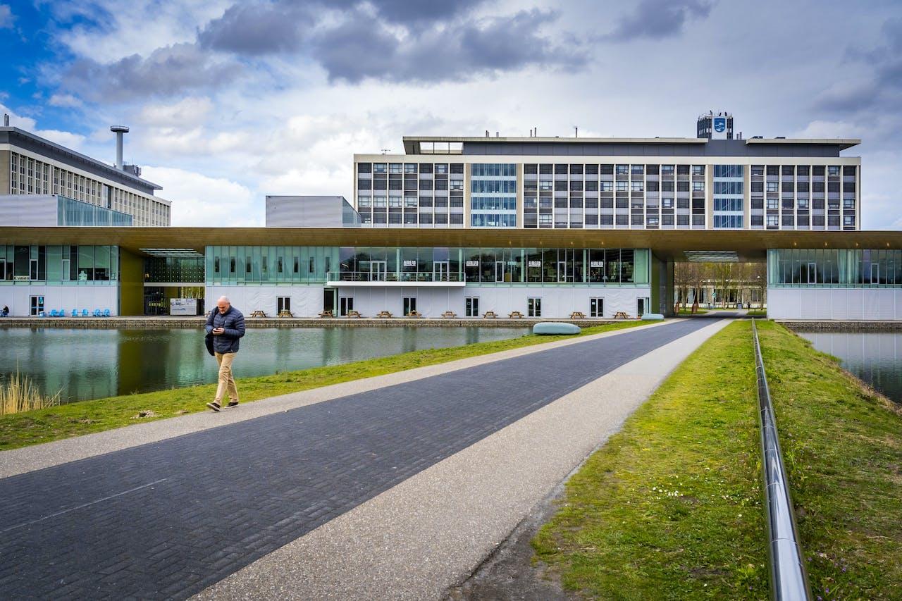 De Philips Healthcarefabriek in Best.