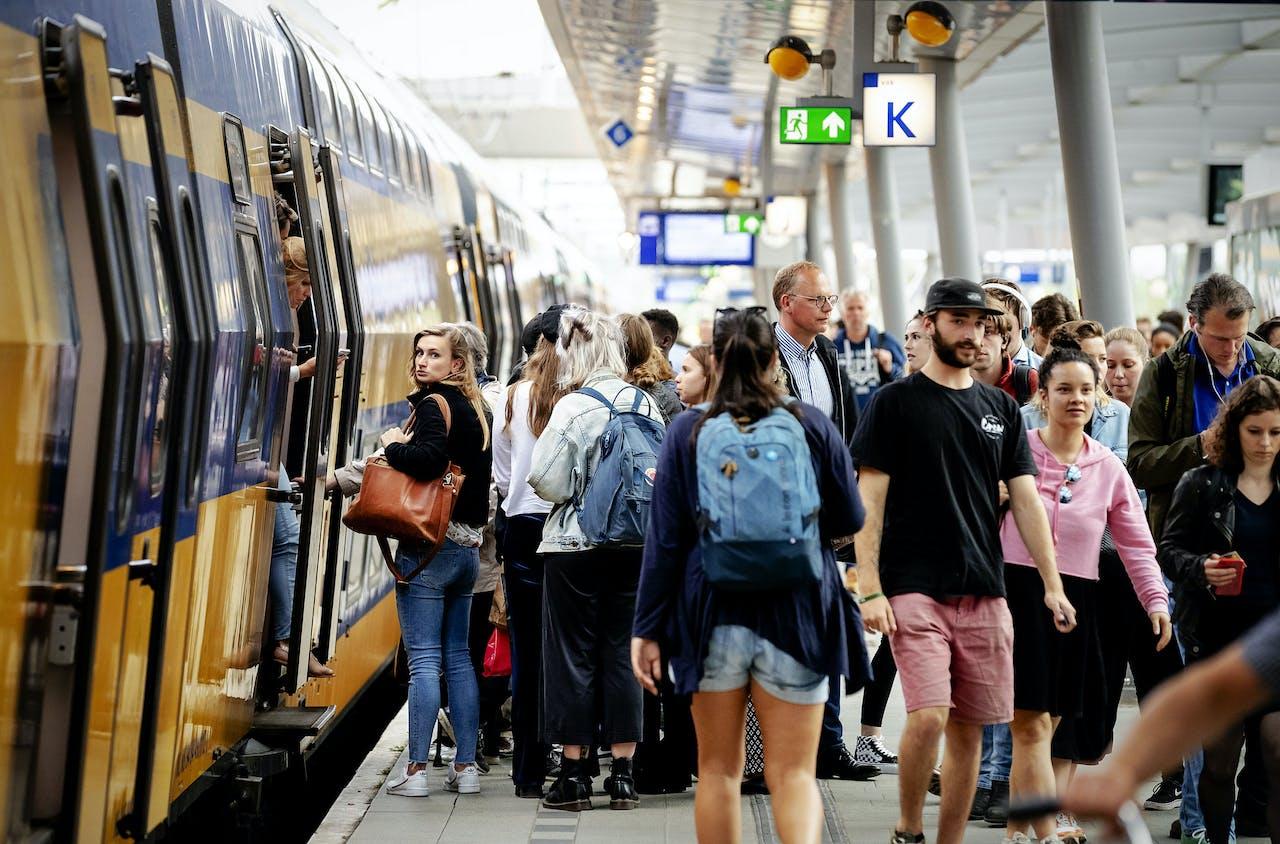 Nederlanders zijn het langst onderweg naar hun werk