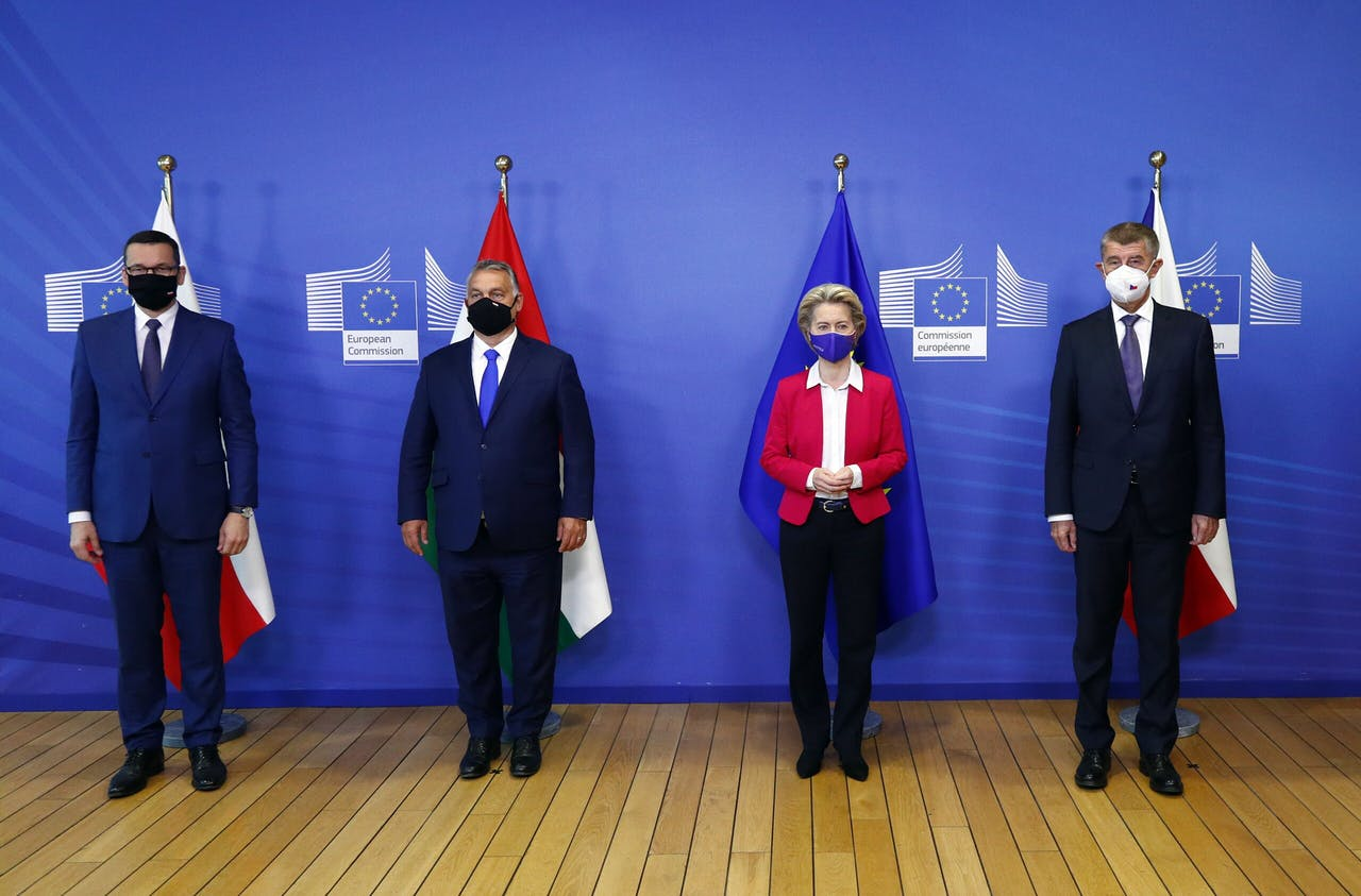 Commissievoorzitter Ursula von der Leyen krijgt bezoek van de premiers uit Polen, Hongarije en Tsjechië.