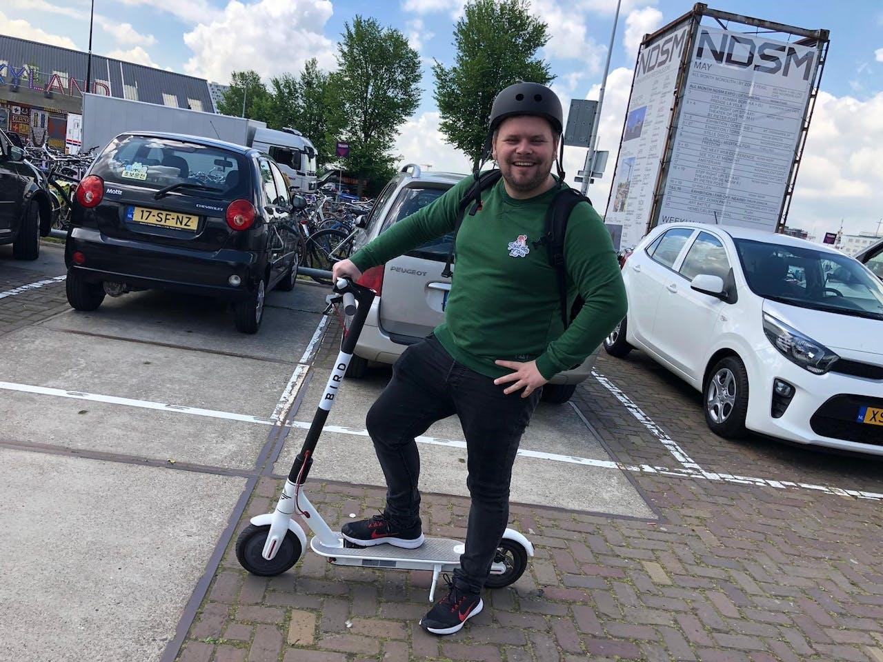 De elektrische step van Bird in Amsterdam