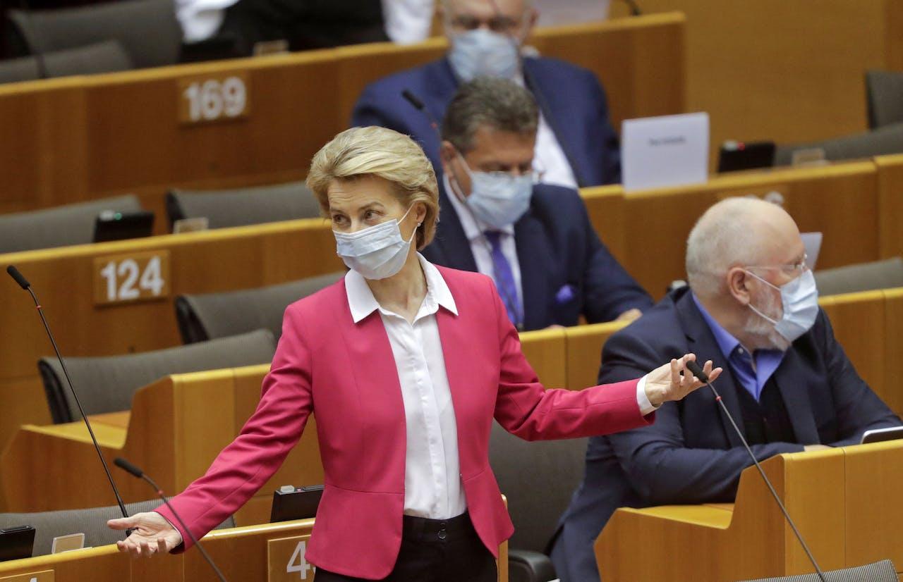 Commissievoorzitter Ursula von der Leyen in het Europees Parlement.