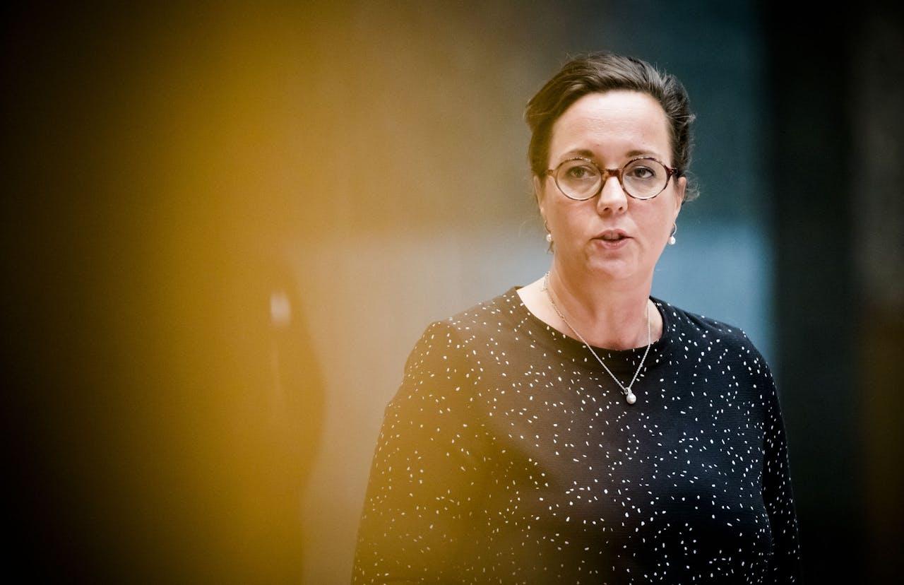 2019-04-09 14:32:06 DEN HAAG - Staatssecretaris Tamara van Ark van Sociale Zaken en Werkgelegenheid (VVD) tijdens het wekelijkse vragenuur in de Tweede Kamer. ANP BART MAAT