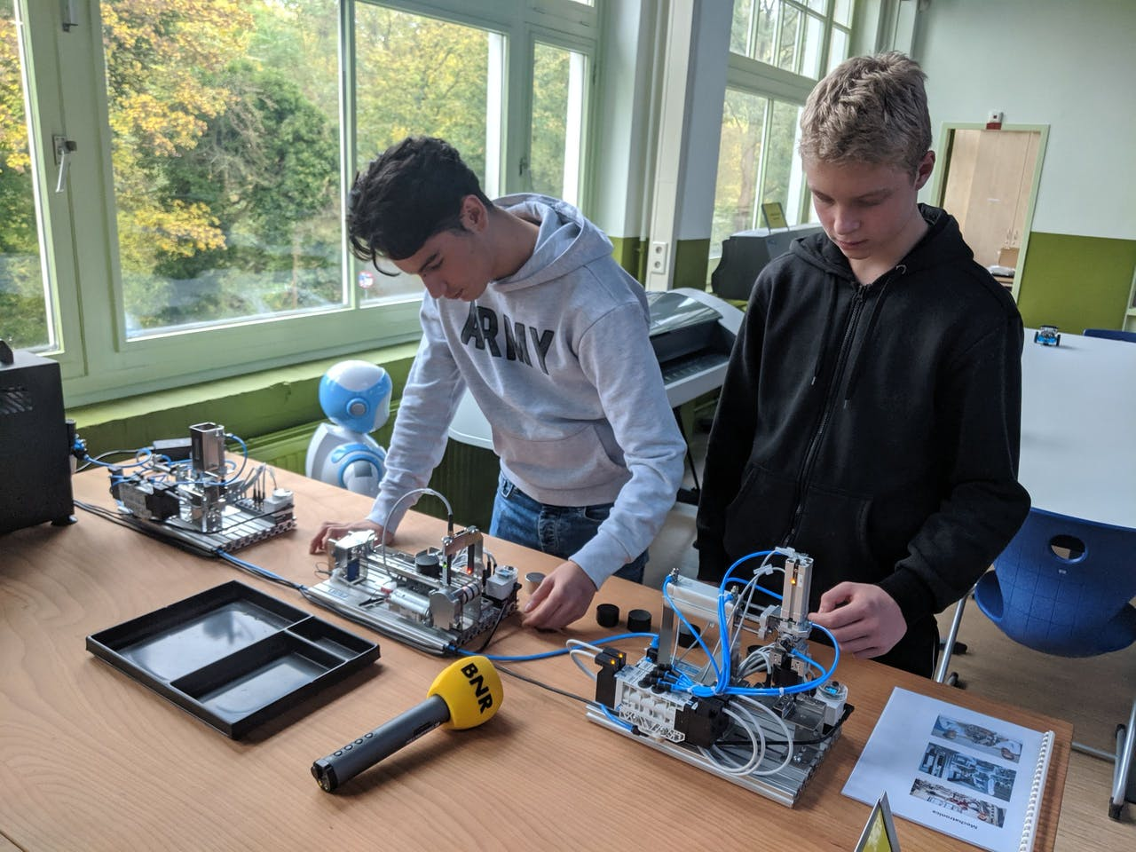 Leerlingen aan het werk in het Techlab