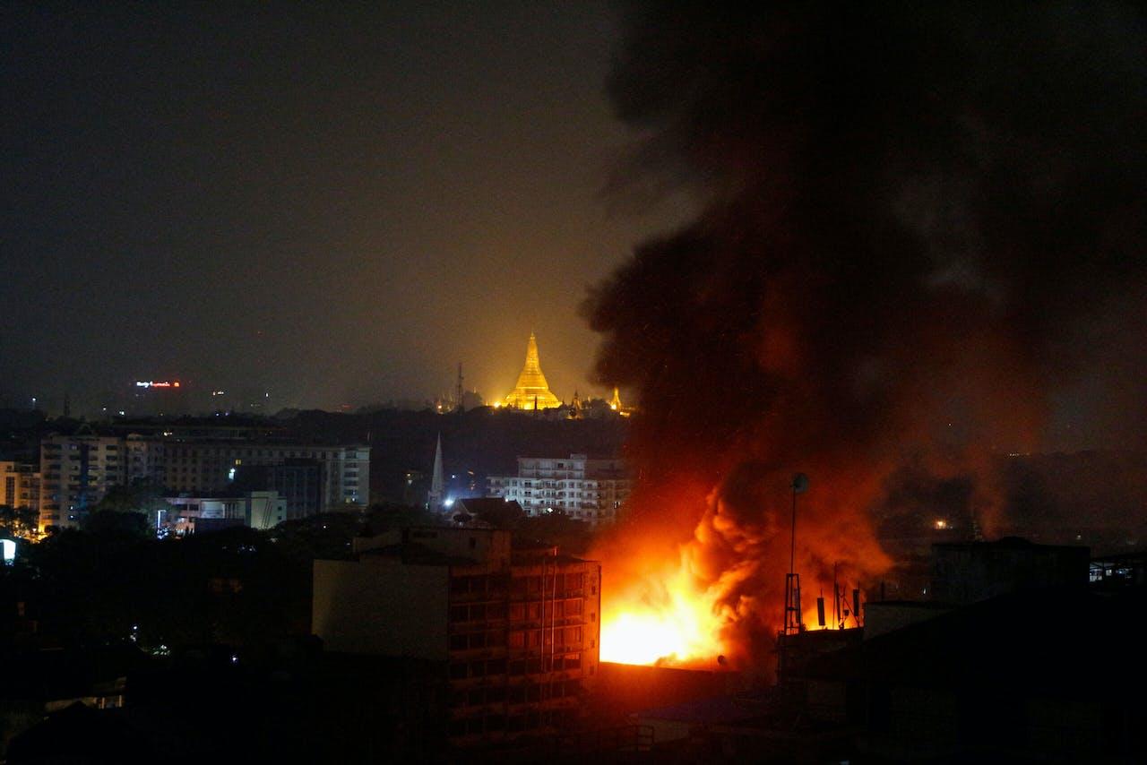 Brand in Yangon, de voormalige hoofdstad van Myanmar.