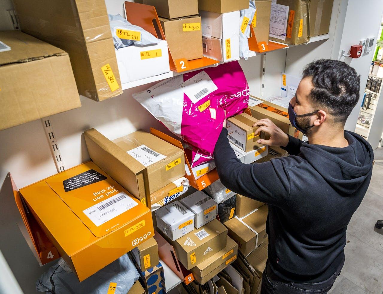 Postpakketten in een Primera