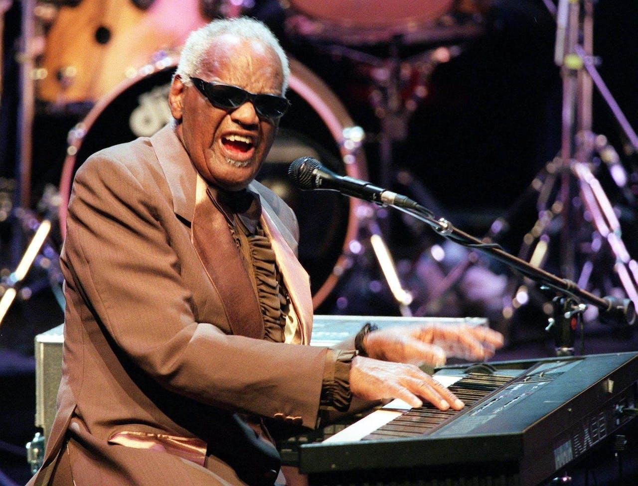 Ray Charles op het Jazz festival in Wenen in 1999.