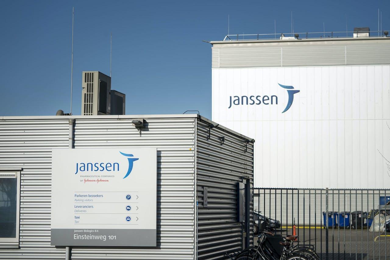 Een exterieur van de Nederlandse bedrijf Janssen, een onderdeel van de farmaceutische tak van het Amerikaanse Johnson & Johnson.