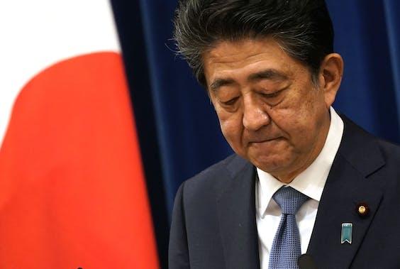 Japanse premier Shinzo Abe kondigde vandaag zijn vertrek aan in Tokyo