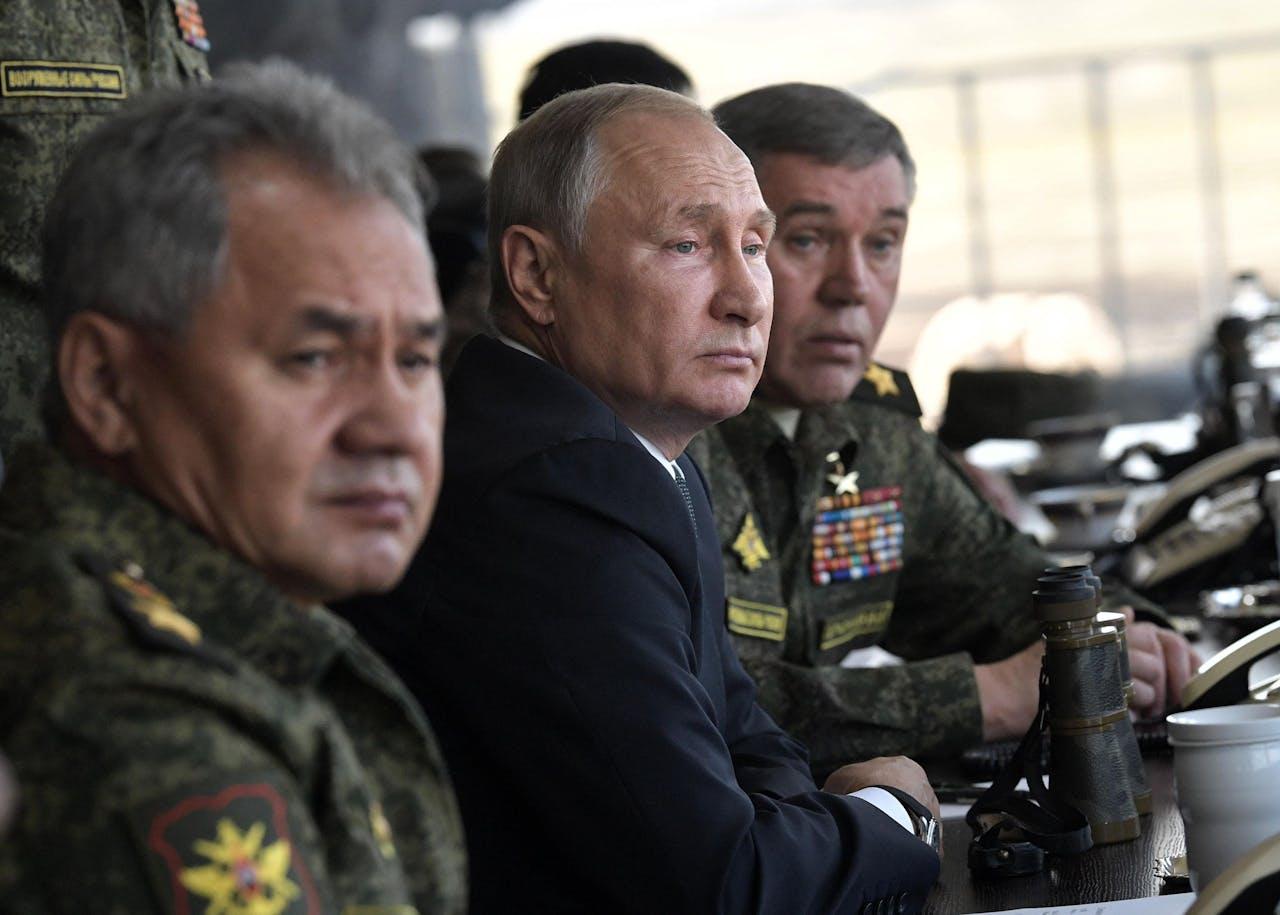 2018-09-13 President Poetin houdt toezicht op Ruslands grootste militaire oefening sinds 1981. EPA/ALEXEY NIKOLSKY / SPUTNIK / POOL MANDATORY CREDIT