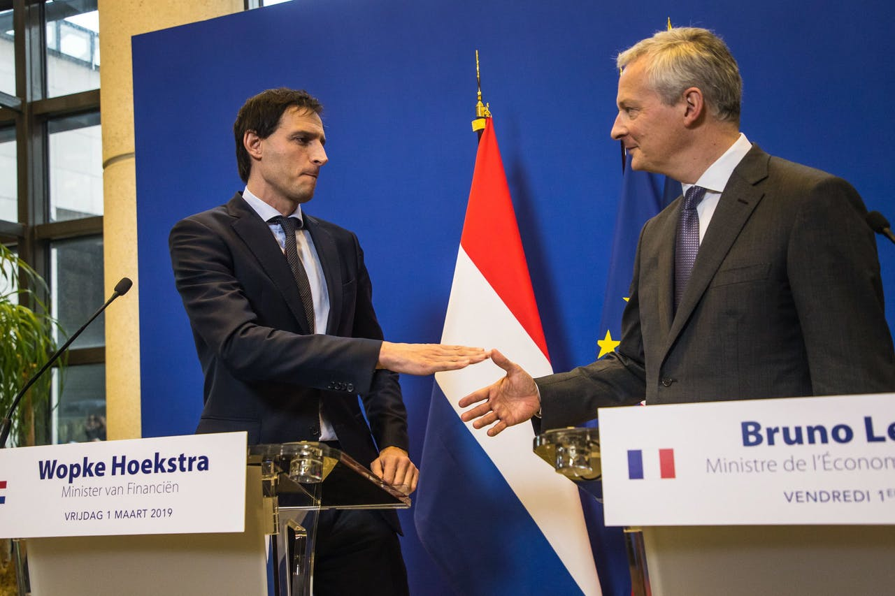 Minister Hoekstra van Financiën en zijn Franse collega Bruno Lemaire.