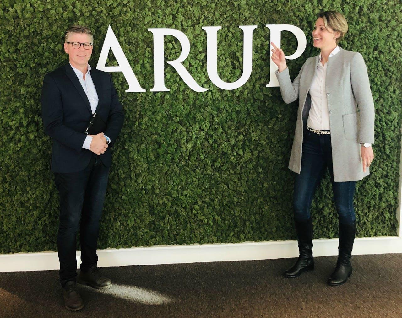 Jon van Weeperen en Tamara Giezen van Arup Nederland