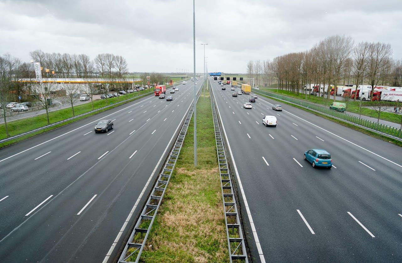 Snelweg A4 in de ochtendspits.