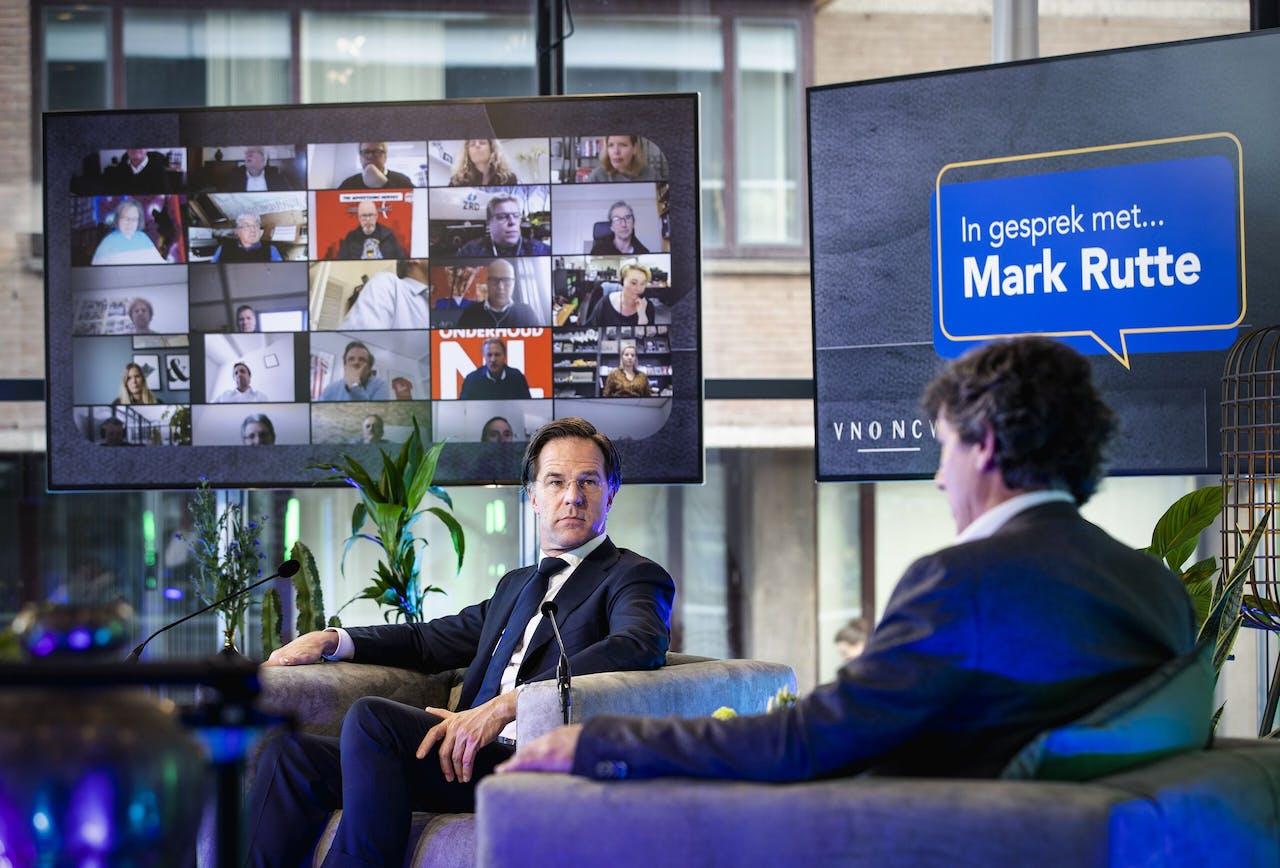 VVD-lijsttrekker Mark Rutte en MKB-Nederland-voorzitter Jacco Vonhof tijdens een verkiezingsgesprek.