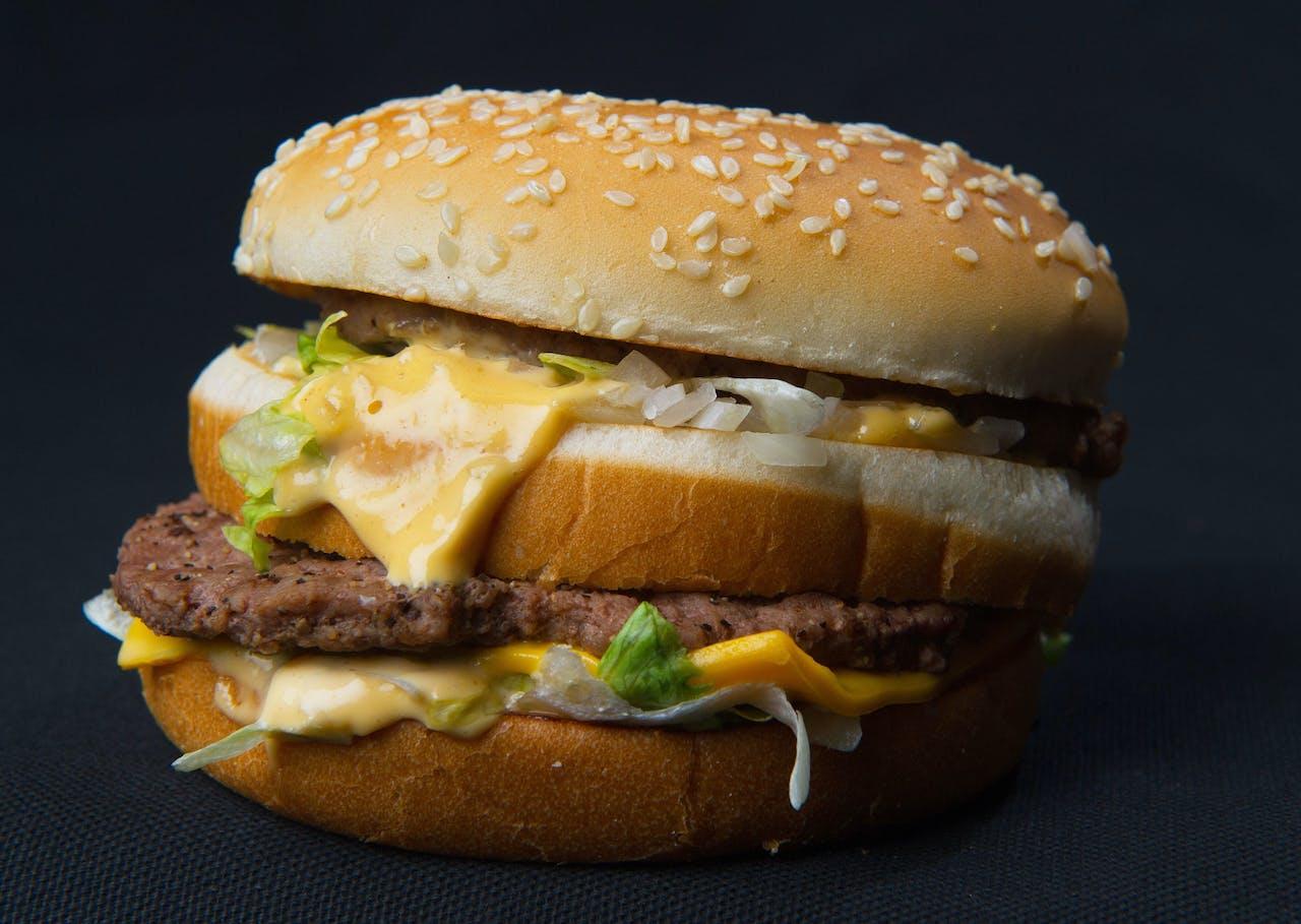 Deze hamburger komt je vast bekend voor