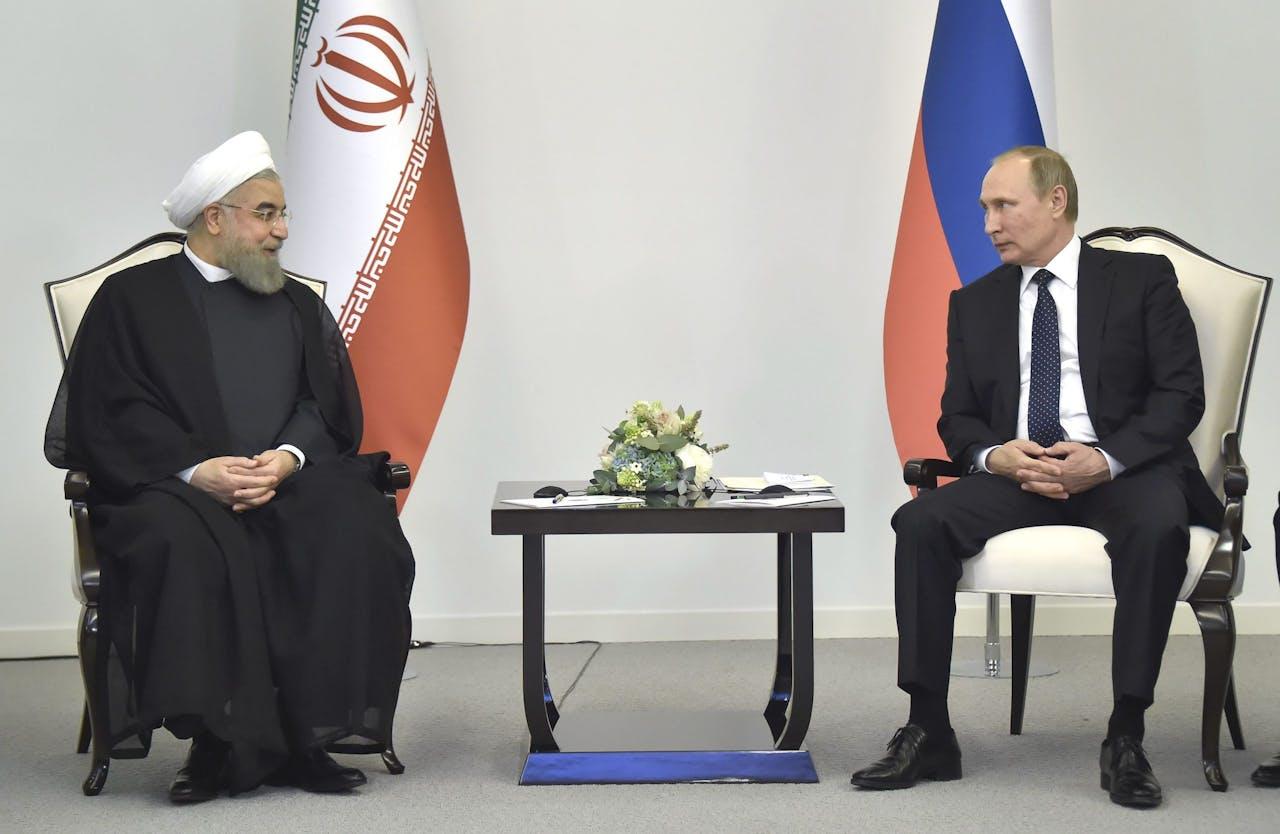 De Iraanse president Rohani met de Russische president Poetin.