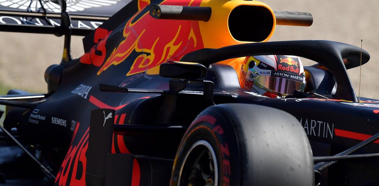 Max Verstappen tijdens de vrije training in Melbourne