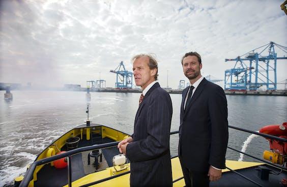 Allard Castelein (l), president-directeur van het Havenbedrijf Rotterdam