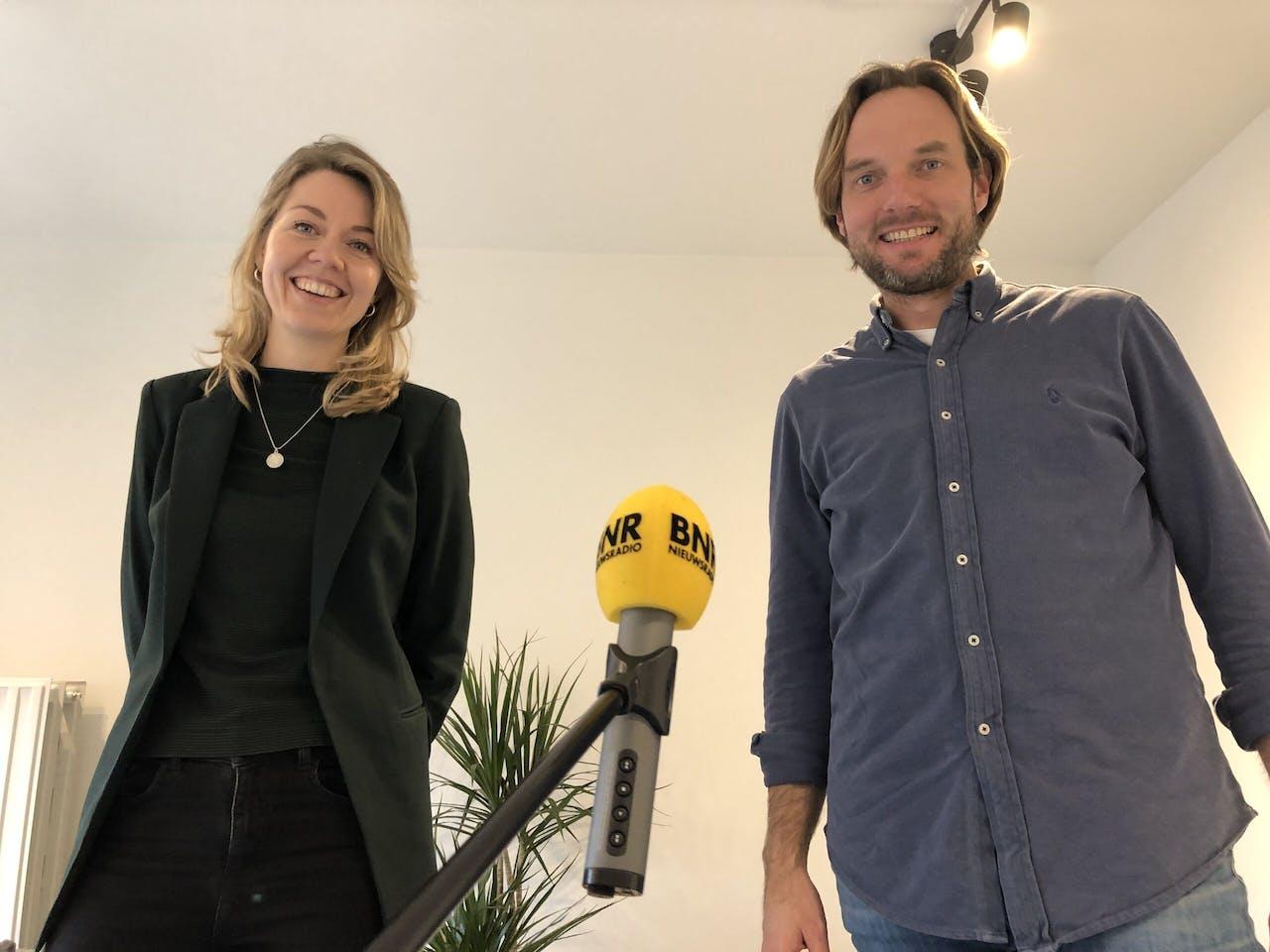 Psycholoog Myrthe Weijschedé en Gijs Coppens van OpenUp