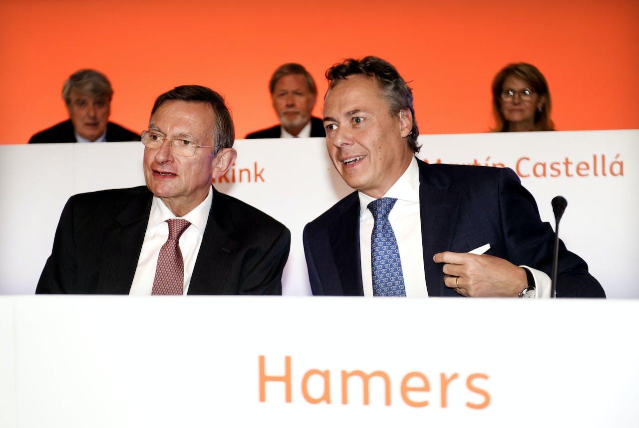 CEO Ralph Hamers (R) en voorzitter van de raad van bestuur Jeroen van der Veer
